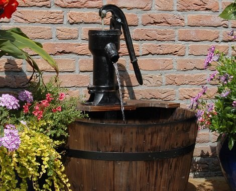 Wooden Barrel Garden Water Feature